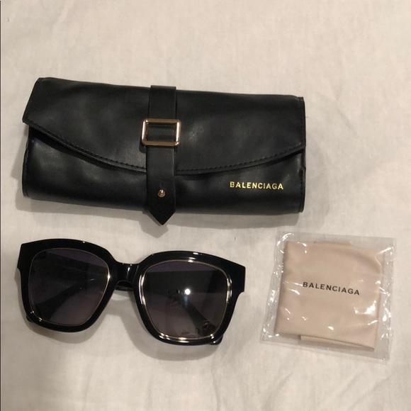 4a7c6c4066a Balenciaga Accessories - BALENCIAGA BA50 01B